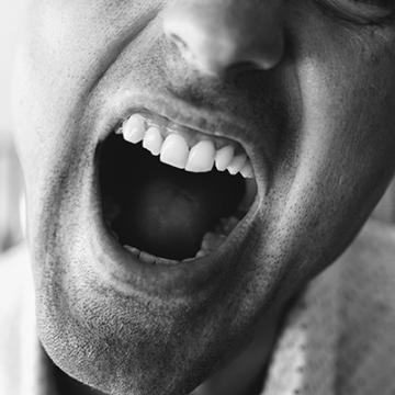 Problèmes de bouches liés aux traitements : Comment adapter son alimentation pour apaiser les douleurs ?